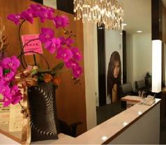 Queen Kelly Hair Salon Photos
