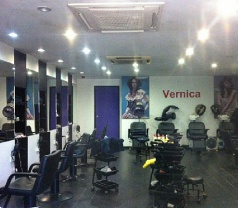 Vernica Unisex Hair Beauty Salon & Training Centre Photos