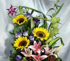 D & D Flowers & Gifts Photos
