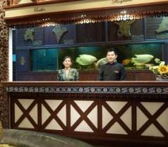 Holiday Villa Hotels & Resorts Photos
