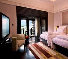 Pullman Putrajaya Lakeside Hotel Photos