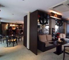 Link Hotel Photos
