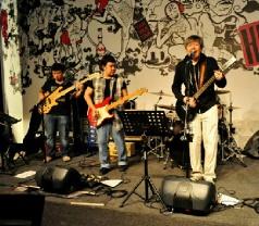 Hood Bar & Cafe Pte Ltd Photos