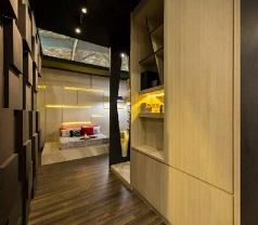 Rezt & Relax Interior Photos