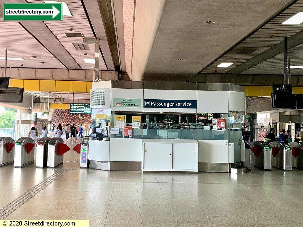 Jurong East MRT Station (NS1/EW24)